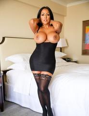 Busty Latina Milf - 04