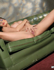 Tera Green Couch - 02