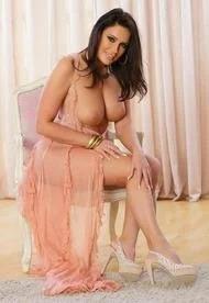 Busty Emma Green