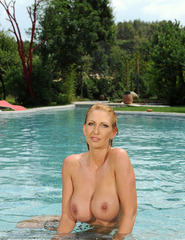 Leigh Darby Poolside - 13