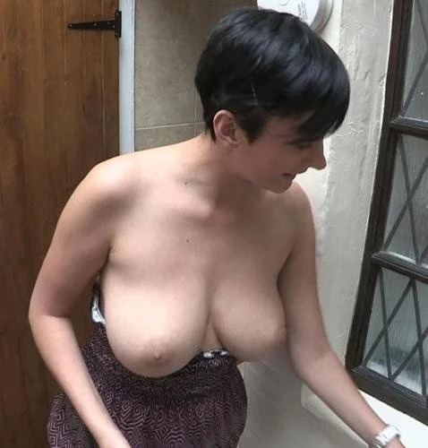 Kim Caught Cleaning While Topless