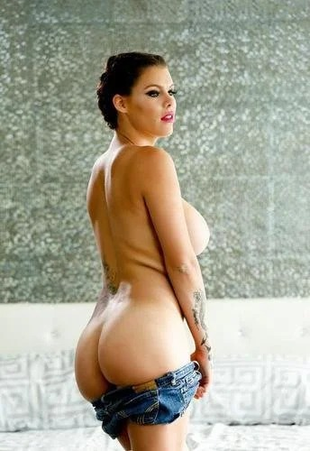 Peta Jensen Sexy Strip Tease In Shorts